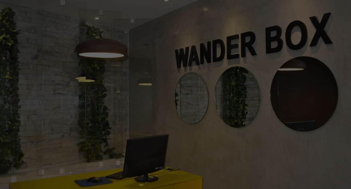 wander-box-bg-footer-002